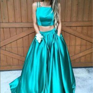 BEAUTIFUL GREEN TWO PIECE PROM DRESS